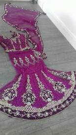 SALE: Beautiful indian/pakistani lengha sari NOW only £100. Size 12-14.