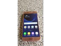 Rose Gold Samsung Galaxy S7.