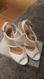 White high heels - Size 39/6 - Platform - Open toes - New Look - NEVER WORN