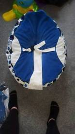 Baby bean bag and moses basket