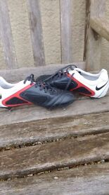 Nike CTR360 football boots size 5.5(worn once)