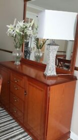 Dining table & sideboard with mirror