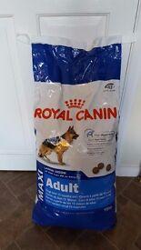 Royal Canin Maxi Adult Dog Food 15kg
