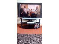 Selling tv hd ready about 42inch comes with hd free view box that records and stuff