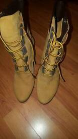 TIMBERLAND HEEL TOTALLY NEW! FREE SHIPPING