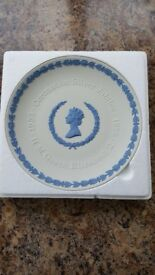 Wedgwood 'Coronation Silver Jubilee' decorative/commemorative plate