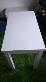 Extendable tableBJURSTA
