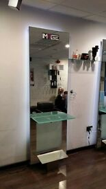 styling units, hairdressing mirrors
