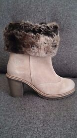 SUEDE WINTER WOMEN BOOTS FROM TAMARIS - WARM PADDING