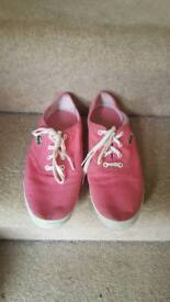 Lacoste Pink Unisex Trainers Size 8