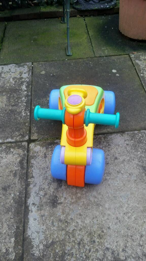 Kids wee push a long very good condition hardly used