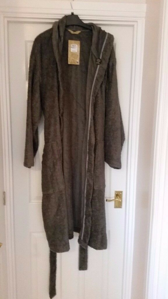 M&S Men\'s Dressing Gown, new with tags | in Bridgend | Gumtree