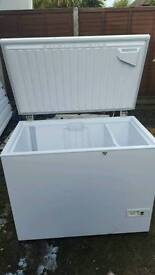 """""""Free delivery""""SUBSTANTIAL CHEST FREEZER""""SUPER CLEAN IN GOOD CONDITION 69.99Offers Invited"""