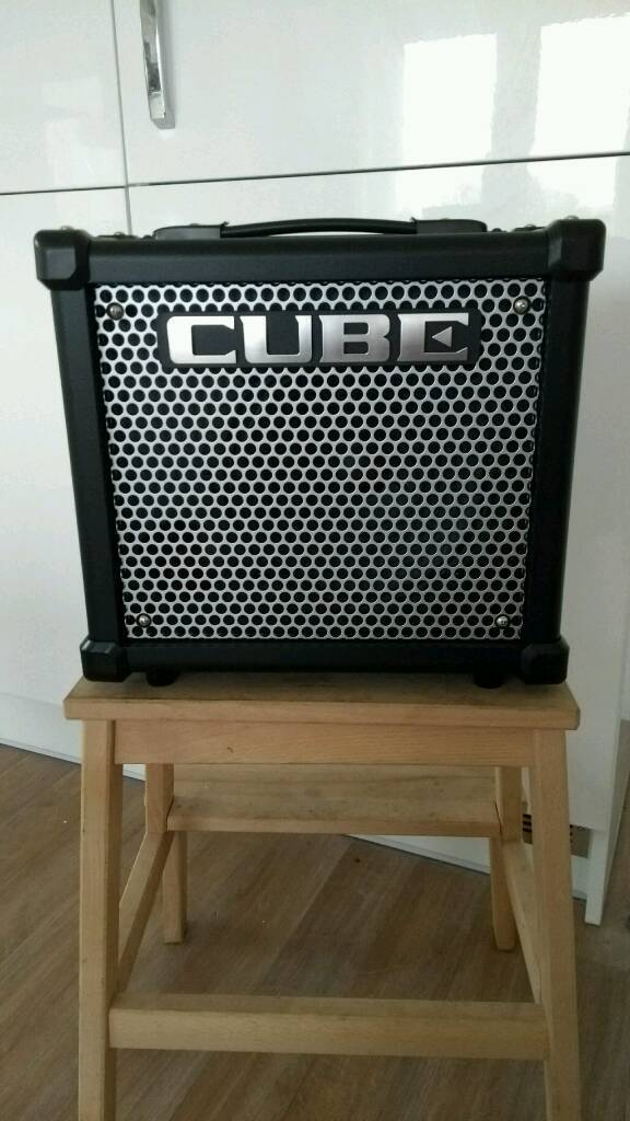Roland Cube 10GX amplifier