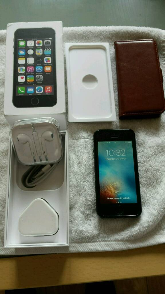 Iphone 5s 16gb Unlockedin Newton le Willows, MerseysideGumtree - Iphone 5s 16gb Unkocked so can be used on any network in mint condition comes boxed with all accessories also a couple of cases and a glass screen protector fitted £145
