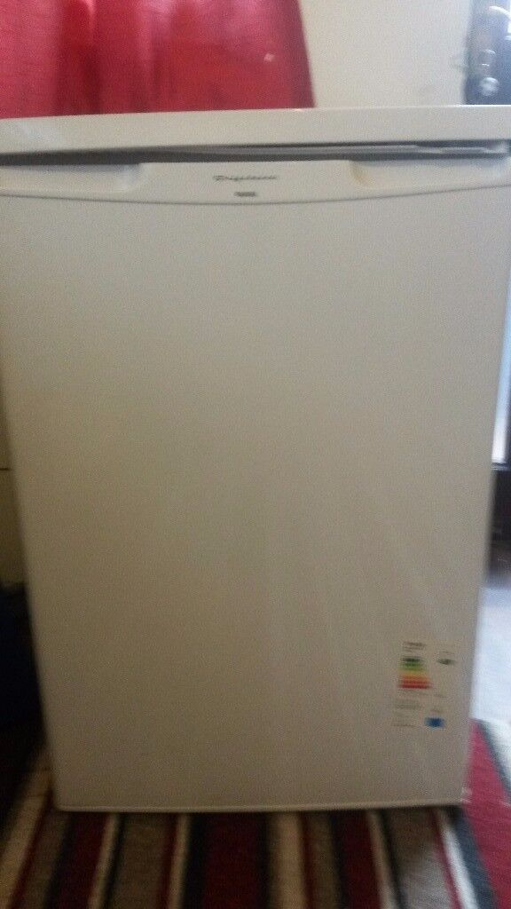 i have sale fully working order small fridge freezers ready to use