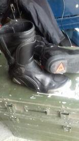 Dainise Boots size 6
