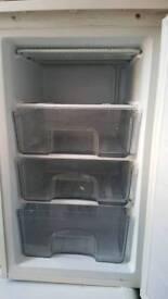 freezer underworktop
