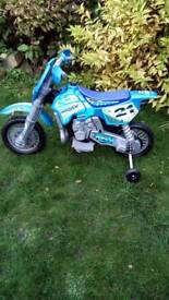 Electric motorbike with stabilisers in working order