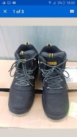 Dewalt safety shoes size 8