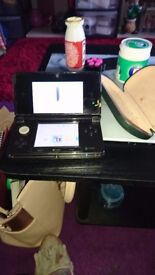 Nintendo 3ds black and gold
