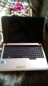 Samsung Laptop For Spares or Repairs as no charger..