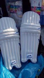 Slazenger boys/youths cricket batting pads