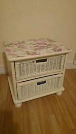 2x Bedside table with 2 wicker baskets