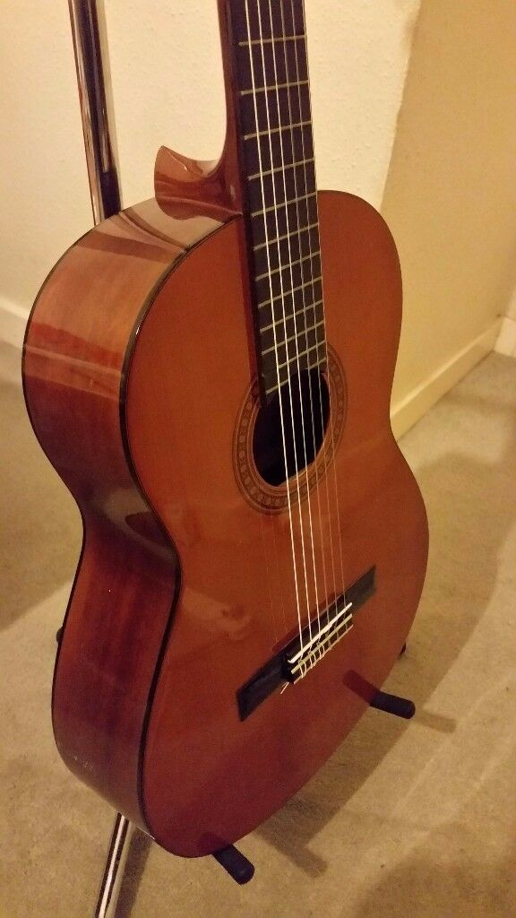 Yamaha CG-110A classical guitar with Fishman SBT-E classical guitar passive pickup