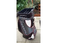 LARGE SHOP DISPLAY GOLF BAG WHICH HAS COMPARTMENTS FOR 25 GOLF CLUBS + STORAGE POCKETS