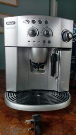 Bean to Cup Coffee Machine - DeLonghi Magnifica ESAM 4200