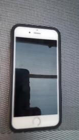 iPhone 6 - white/silver 16gb Excellent condition - only 12 months old