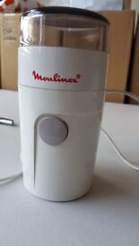 Moulinex grinder - perfect for coffee beans & nuts