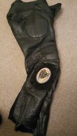32 waist technic leather pants excellent condition