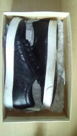 Clarks Leahter trainers size 4