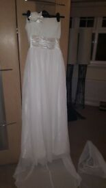 Size 6-8 wedding dress petite