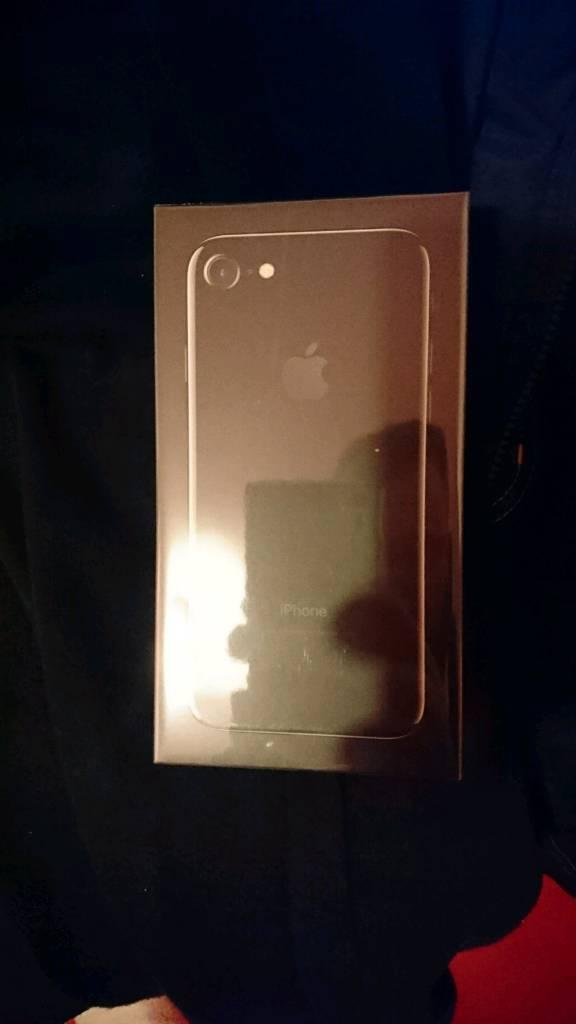 I phone 7 32gb brand new