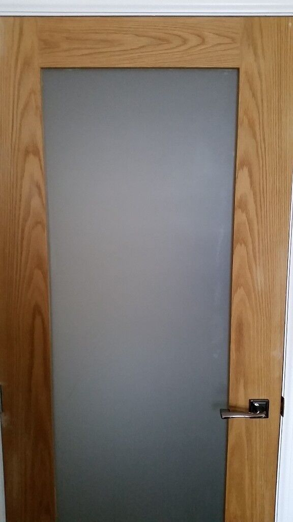 Oak Veneer Doors With Clear Frosted Glass Panels Some With Oak