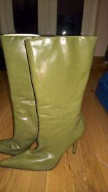 Unworn size 41 green boots from Aldo
