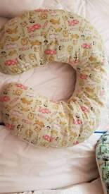 Baby horseshoe support cushion