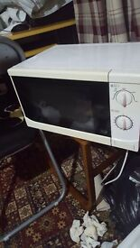 Microwave in full working condition £20