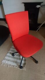 Vitra Swivel Chair, great condition, classic style, iconic orange