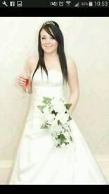 Outstanding wedding dress