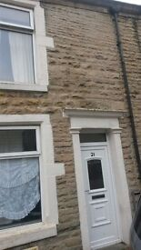 2 bed house to let Darwen, no deposit, pets welcome