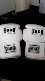 Boxing gloves ergo