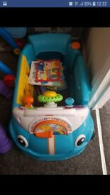 Fisher-Price Laugh & Learn Smart Stages Crawl a Rround Car