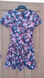 Woman's dress size 6 from Dorothy perkins