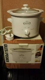 SLOW COOKER (Giles & Posner) READ THE AD -