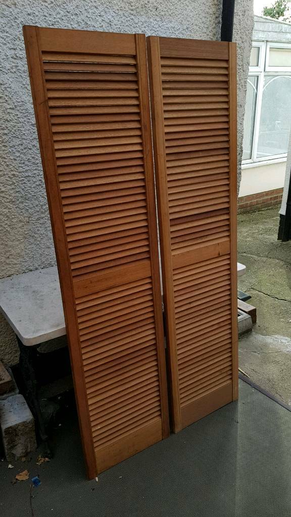 pair of pine louvre doors vented open slatted 1829 x 457mm