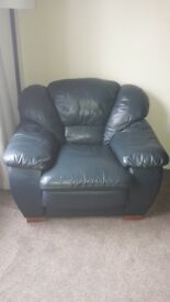 3 seater sofa & 2 chairs leather green/blue